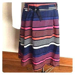 Gorgeous, lined Old Navy XL NWT Skirt